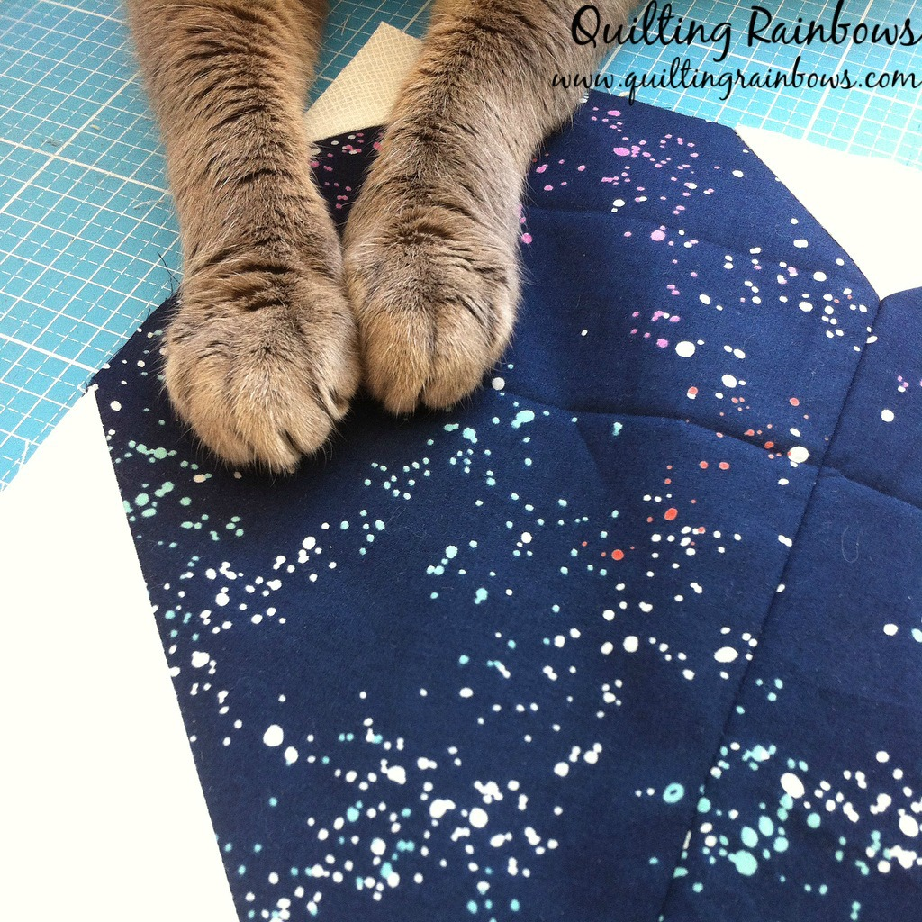 blue-heart-quilt-block-with-cat-feet