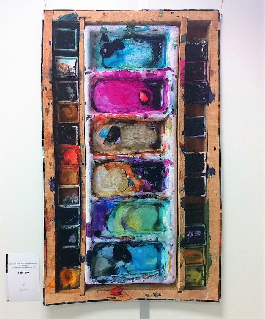 Watercolour-palette-quilt-Linda-Kemshall